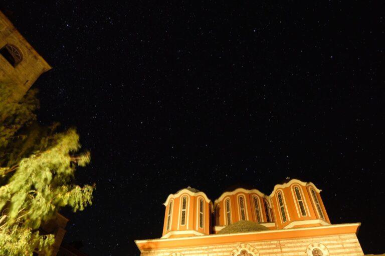 ΑΓΙΟΝ ΟΡΟΣ: Η Αγρυπνία, η Δύση στον Αρσανά και ο ουρανός
