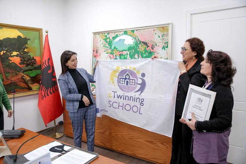 Αλβανία: Τιμητική διάκριση σε Ελληνικό Σχολείο