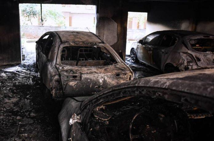 Θεσσαλονίκη - Καλαμαριά: Κινδύνεψαν άνθρωποι από φωτιά σε πυλωτή πολυκατοικίας (VIDEO)