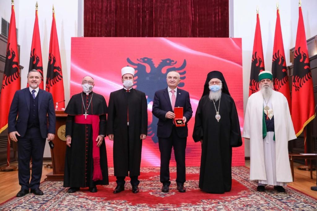 Τιμήθηκαν οι θρησκευτικοί Ηγέτες της Αλβανίας από τον Πρόεδρο Ιλίρ Μέτα