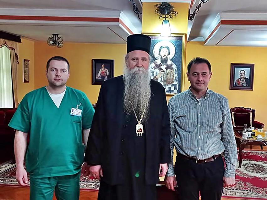 Εμβολιάστηκε ο Πανιερώτατος Επίσκοπος Βουδίμλιε και Νίκσιτς κ. Ιωαννίκιος του Πατριαρχείου Σερβίας