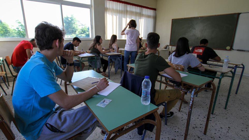 Πανελλαδικές: Αύξηση των Βάσεων στις περιζήτητες Σχολές - Πτώση στα Περιφερειακά ΑΕΙ
