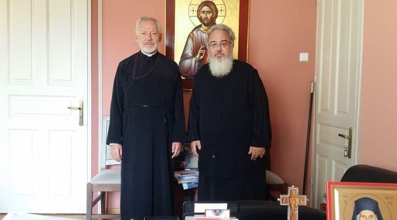 Ο Σεβασμιώτατος Αρχιεπίσκοπος Καναδά κ.κ. Σωτήριος στον Σεβασμιώτατο Μητροπολίτη Νικοπόλεως και Πρεβέζης κ.κ. Χρυσόστομο